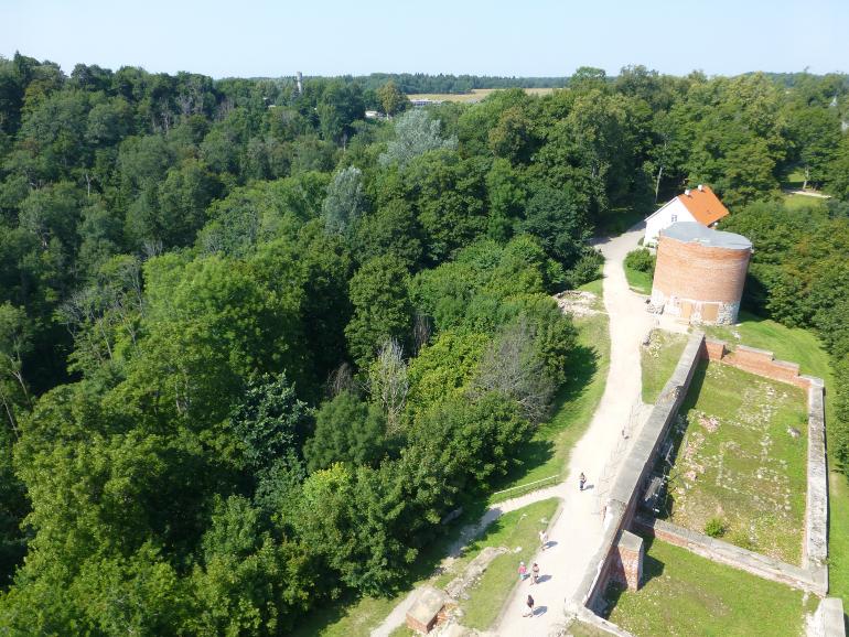 vistas torre del castillo medieval de sigulda